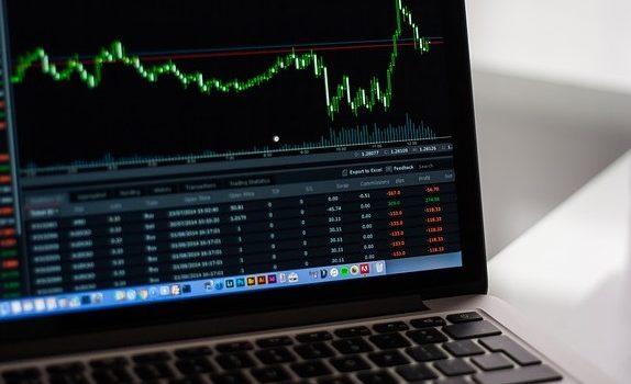 De voor- en nadelen internationale investeringen en effentenhandelaars